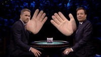 "Ryan Reynolds Faces Off With Jimmy Fallon in ""Slapjack"""